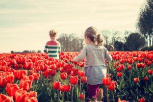 girls-flowers